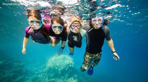 Découvrir la plongée le temps d'un week-end en famille ou entre amis avec voyage-plongee.com